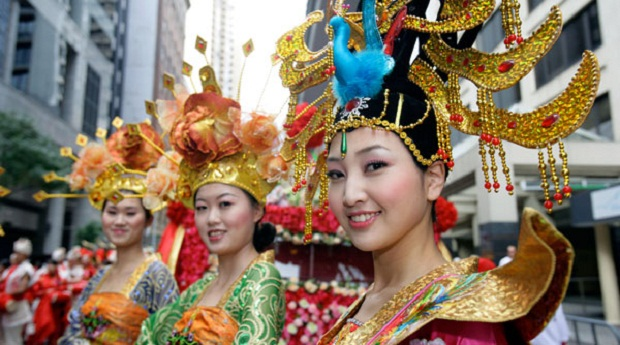Watch beautiful parade of CNY 2016 in Singapore